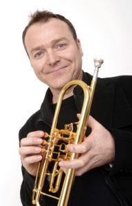 Gábor Tarkövi (sünd 1969) Berliini Filharmoonia trompeti solist